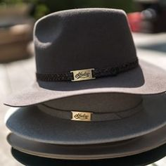 Akubra Avalon is a new urban style hat that's popular with both men and women. This fashionable style hat is also practical option. Akubra Hats, Bonded Leather, Plaits, Cowgirl Style, Hats For Men, Urban Fashion, Band, Aussie Australia, Colours