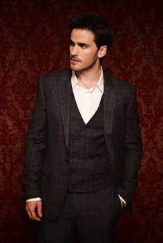 colin o'donoghue (captain hook) - once upon a time