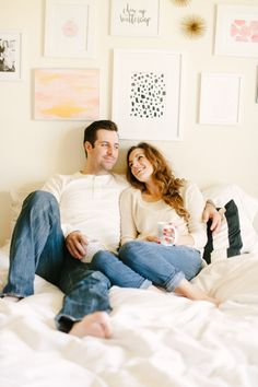 cozy casual at home engagement shoot in bed | Photography: Jenna Kutcher
