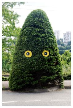 Street art green Paris Tree face eyes Tonkar magazine // Graffiti and Street art: S-Tree-T Art Eye Bombing :: Ladamenrouge