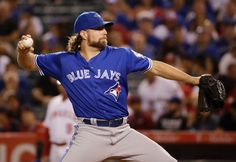 Dickey era in Toronto is officially over. The Cy Young winner and former Blue Jays starting pitcher has signed a one-year deal wit. Cy Young, Toronto Blue Jays, Sports News, 1 Year, Canada, Signs, Signage