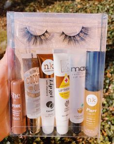 lip gloss business packaging Tropical Island Lash and Gloss Pack Best Lip Gloss, Diy Lip Gloss, Lip Gloss Colors, Clear Lip Gloss, Eyeshadow Palette, Lip Gloss Homemade, Glitter Lip Gloss, Makeup Products, Lip Art