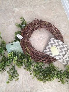 15 Minute, 15 Dollar Wreath DIY - supplies needed (Hobby Lobby) Boxwood Wreath Diy, Diy Wreath, Wreath Ideas, Burlap Wreath, Green Garland, Green Wreath, The Parking Spot Hobby, Easy Hobbies, Hobby Lobby Christmas