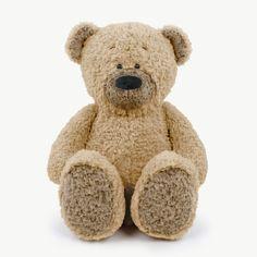 Wer darf in keinem Kinderzimmer fehlen? Na klar, der Teddybär! Am besten ein selbstgenähter. Wir freuen uns sehr, euch den ersten klassischen kullaloo-Teddy vorstellen zu dürfen: JOSHI 🐻 Der bärenstarke Gefährte mit seiner Knuddelgröße von knapp 50 Zentimetern hat großes Lieblings-Kuschelfreund-Potenzial! Der perfekte Stoff zum Teddyschnitt: Unser neuer und unglaublich weicher Teddyplüsch FANTASTIC Furs Fine teddy  Tatty Teddy, Teddy Bear, Needle Felted Animals, Felt Animals, Nursing Pads, Paris Theme, Felt Art, Plushies, How To Introduce Yourself