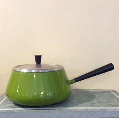 fondue-pata 60 luvulta . emaloitua metallia . halkaisija 18cm . @kooPernu