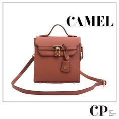 Cartera marrón, perfecta para tus días de oficina.  #CPbyClaudiaPaez