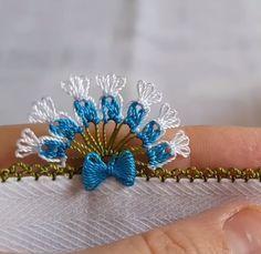 Needle Lace Towel Edge Making # Iğneoya of # Iğneoyalarımodel of # Iğneoyas Basic Embroidery Stitches, Crochet Bedspread, Needle Lace, Needlepoint, Tatting, Diy And Crafts, Nail Designs, Pattern, How To Make