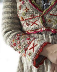 Ravelry: Bolero Fritt etter Fana pattern by Sidsel J. Estilo Fashion, Fashion Mode, Knitting Projects, Knitting Patterns, Ravelry, Fair Isle Knitting, Pattern Library, Mode Vintage, Mode Inspiration
