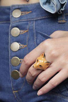 Une bague renard pour habiller le doigt de façon originale.  Bague renard, Good after nine, environ 50€