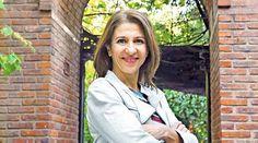 Alejandra Flechner es una actriz argentina de teatro, cine y televisión, ex integrante de Gambas al ajillo (Parakultural), prestigioso grupo de humoristas femeninas.    http://robertoramasso.com/alejandra-flechner/