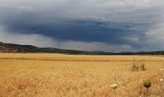 Una de las tormentas que pude cazar el pasado dia 14, sobre la estepa de Archidona.