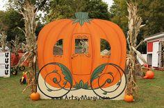 15 Easy Decorating Ideas For Halloween Camping And RV - camperisme Pumpkin Patch Farm, Pumpkin Patch Birthday, Best Pumpkin Patches, Pumpkin Games, Diy Pumpkin, Halloween Camping, Halloween Crafts, Halloween Fashion, Halloween Horror