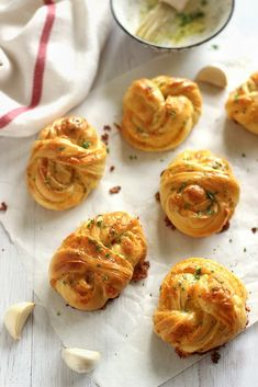 Bread Rolls, Bread Recipes, Shrimp, Bakery, Dessert Recipes, Food And Drink, Meat, Cooking, Hungarian Recipes