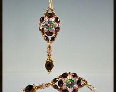 Beadwoven cuentas abalorios flores de cristal por beadedartjewelry