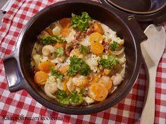 Kääpiölinnan köökissä: Pikainen kasviskasari Ramen, Curry, Veggies, Ethnic Recipes, Food, Curries, Vegetable Recipes, Vegetables, Essen