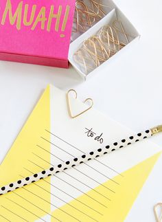 DIY: wire heart paperclips