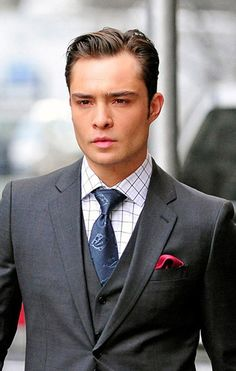 Chuck Bass - Ed Westwick -Gossip Girl Celebrity Haircuts, Haircuts For Men, Celebrity Style, Leighton Meester, Blair Waldorf, Moda Gossip Girl, Gossip Girls, Chuck Bass Ed Westwick, Gorgeous Men