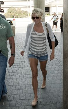 love the whole look...and jelous of the toned legs...sigh. someday. maybe.