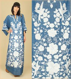 ViNtAgE 70's Mexican White BIRDS Blue FLORAL Embroidered HiPPiE Maxi Dress