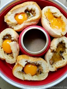 Quick recipe for the Omnia oven: filled rolls with egg ›cook-and-backen-im-wohnmobil.de - Quick recipe for the Omnia oven: filled rolls with egg › Cook and bake… - Quick Recipes, Egg Recipes, Pan Relleno, Hamburger Meat Recipes, Grilled Meat, Camping Meals, Four, Food Items, Food Dishes