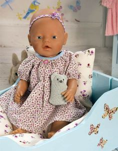 Baby Born Now the little girls can dress their Baby Born doll with this beautiful nightgown . Baby Born Clothes, Bitty Baby Clothes, Crochet Baby Clothes, Baby Born Kleidung, Play Clothing, Baby Boy Baptism, Baby Girl Photography, Sewing Doll Clothes, Baby Boy Quilts