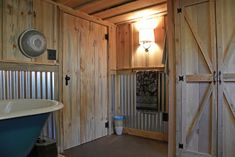Corrugated Tin Shower Wall and LOVE the door Barn Wood Bathroom, Wainscoting Bedroom, Tin Shower, Corrugated Metal, Rustic Bathrooms, Tin Shower Walls, Tin Walls, Rustic House, Craftsman Bathroom