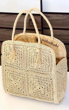 The Spectacular Crochet Bag Models Of The Ingenious Housewives Made in July Page 33 - carteras tejidas # crochet handbags for girls Bag Crochet, Crochet Handbags, Crochet Purses, Crochet Motif, Crochet Hooks, Crochet Beach Bags, Knitting Designs, Knitting Patterns, Crochet Patterns