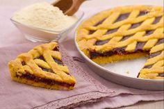 La pasta frolla senza glutine è una preparazione di base adatta ad essere mangiata dai celiaci.