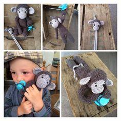 Speenknuffel aap Lulú gehaakt door Lubette Woord #haken #haakpatroon #gehaakt #amigurumi #knuffel #gehaakt #crochet #häkeln #cutedutch