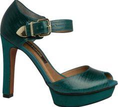 Verde-esmeralda traz requinte às produções; aprenda a combinar - Moda - UOL Mulher