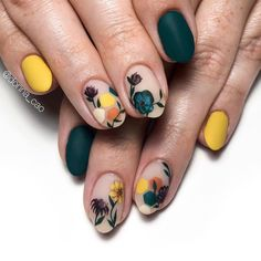Surprising Spring Flower Nail Art Designs To Try In 2020 – ShelbyFashions Fall Nail Art Designs, Acrylic Nail Designs, Acrylic Nails, Get Nails, Hair And Nails, Floral Nail Art, Peach Nail Art, Nail Pink, Peach Nails