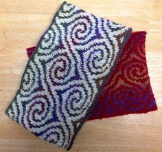 Free Pattern: Spiral Cowl by Betty Narducci