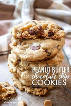 with peanut butter and chocolate flavor, these easy peanut butter chocolate chip cookies are always a hit with the whole family!Packed with peanut butter and chocolate flavor, these easy peanut butter chocolate chip cookies are always a hit with the wh. Easy Chocolate Chip Cookies, Chocolate Cookie Recipes, Easy Cookie Recipes, Homemade Chocolate, Dessert Recipes, Brownie Recipes, Chocolate Chocolate, Desserts, Peanut Butter Cookie Recipe