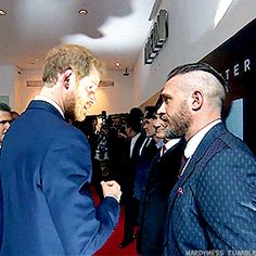 These fellas are buds aren't they? H asking ETH if he's ok, joking that he would that and then asking him again before the parting wink...wonderful exchange! ❤️❤️