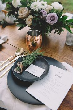 33 Refined Copper And Black Wedding Decor Ideas – My Wedding Dream Wedding Table Decorations, Decoration Table, Stage Decorations, Wedding Tables, Decor Wedding, Kinfolk Wedding, Gold Color Scheme, Copper Wedding, Wedding Place Settings