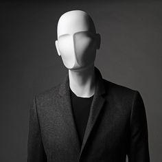 A abstract head from the Profile Man Mannequin range.