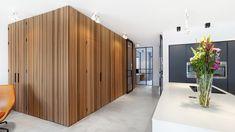 Hall Interior Design, Interior Architecture, Home Decor Kitchen, Kitchen Design, Office Floor Plan, Amsterdam Houses, Tadelakt, Wall Clock Design, House Entrance