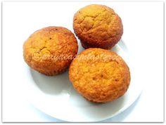 Priya's Versatile Recipes: Eggless Pumpkin Oats Muffins