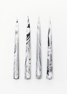 learn how to make marbled candles is part of Marble candle - Learn How to Make Marbled Candles Marbleart DIY Candle Containers, Candle Jars, Candle Centerpieces, Candle Holders, Velas Diy, Bougie Candle, Marble Candle, Candle Making Business, Candle Craft