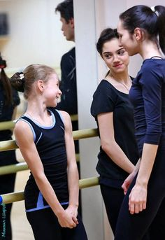 "Personally, Alexandra Trusova is said to be a ""mascot"" existence of the Eteri group. Kim Yuna, Yulia Lipnitskaya, Virtue And Moir, Alina Zagitova, Medvedeva, ユーリ!!! On Ice, Ice Skaters, Hanyu Yuzuru, Sports Art"