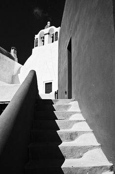 Greece - line Bw Photography, Artistic Photography, Black N White Images, Black And White, Art Of Memory, Santorini, Mykonos, Magic Realism, Grey Gardens