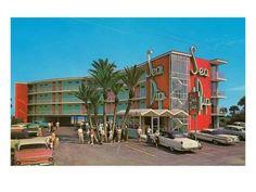 Art Print: Sea Dip Motel Poster : 24x18in