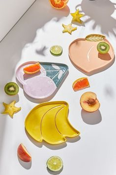 Shop Fruit Shaped Plate at Urban Outfitters today. Ceramic Pottery, Pottery Art, Ceramic Art, Clay Art Projects, Clay Crafts, Urban Outfitters Gifts, Keramik Design, Mason Jars, Variety Of Fruits