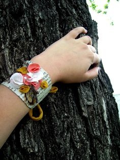 madison avenue: trendy chic recycle week! day #3 toilet roll cuff bracelet
