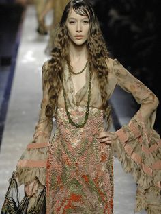 Enter our time-limited give-away and win Jean Paul Gautier Free in any color you want! Jean Paul Gaultier, Paul Gaultier Spring, Boho Beach Style, Gypsy Style, Boho Gypsy, Haute Couture Fashion, Fashion Lookbook, Playing Dress Up, Dress Me Up