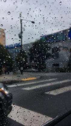 𝒮𝓅ℯ𝒶𝓇𝒹 𝒽𝒶𝓅𝓅𝒾𝓃ℯ𝓈𝓈 𝒶𝓇ℴ𝓊𝓃𝒹🔆 ℙ𝕚𝕟:𝕤𝕒𝕧𝕪𝕙𝕠𝕡𝕫✬✬ 🅅🅂🄲🄾~𝗌ᴀᴠᴀɴɴᴀʜ𝗀𝗋𝖺𝖼𝖾15♕♕ Rainy Wallpaper, New Wallpaper, Disney Wallpaper, Rain Photography, Tumblr Photography, Rainy Day Photography, Iphone Wallpaper Tumblr Aesthetic, Aesthetic Wallpapers, Phone Backgrounds