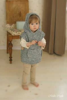 KNITTING PATTERN chunky hooded poncho Phoebe toddler por MukiCrafts