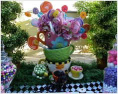 Alice in Wonderland, Mad Tea Party, Candy Buffet / Birthday / Decorations: