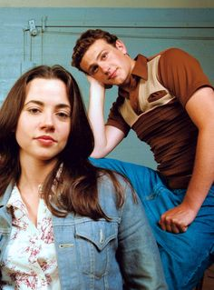 linda cardellini freaks and geeks Linda Cardellini, Jason Segel -Freaks and Geeks Movies Showing, Movies And Tv Shows, Freeks And Geeks, Stars Then And Now, Himym, James Franco, Christen, Series Movies, Comedians