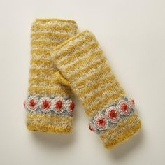 Unique Clothes For Women, Made Clothing, Knit Mittens, Vintage Jewelry, Unique Jewelry, Hand Warmers, Artisan Jewelry, Fingerless Gloves, Color Splash